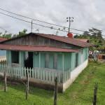 Domy w drodze do Tortuguero