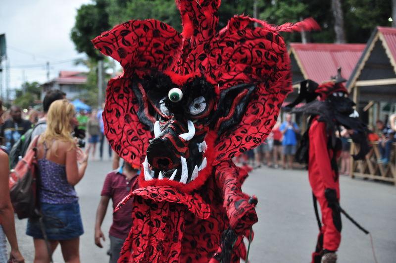Diably i Karnawal w Bocas del Toro