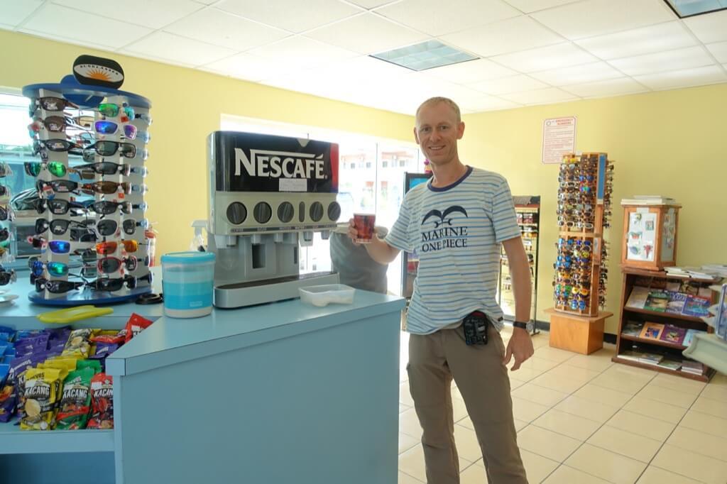 Ja i 26 letni automat do kawy rozpuszczalnej Nescafe