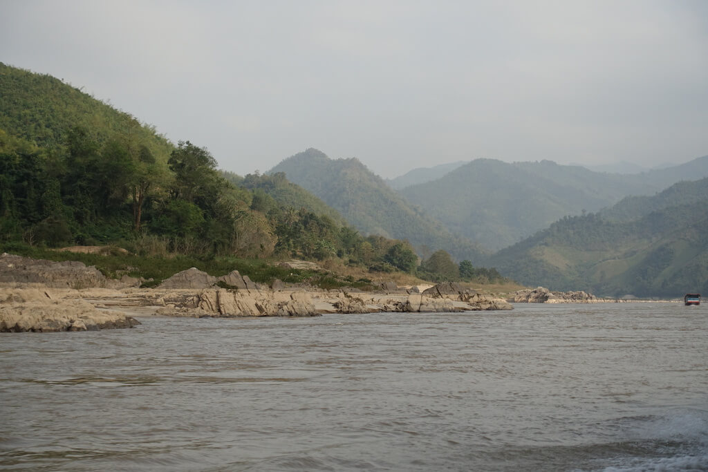 Widoki na Mekong i okolice z łodzi do Luang Prabang